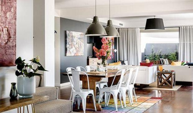 Una casa relajada y luminosa con pinceladas de color for Fotos decoracion apartamentos modernos